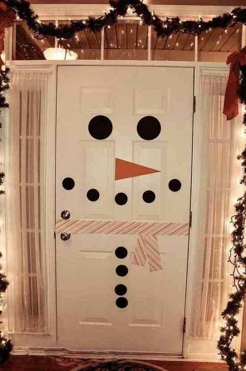أشكال أبواب مزينة بملصقات مختلفة لغرف نوم الأطفال