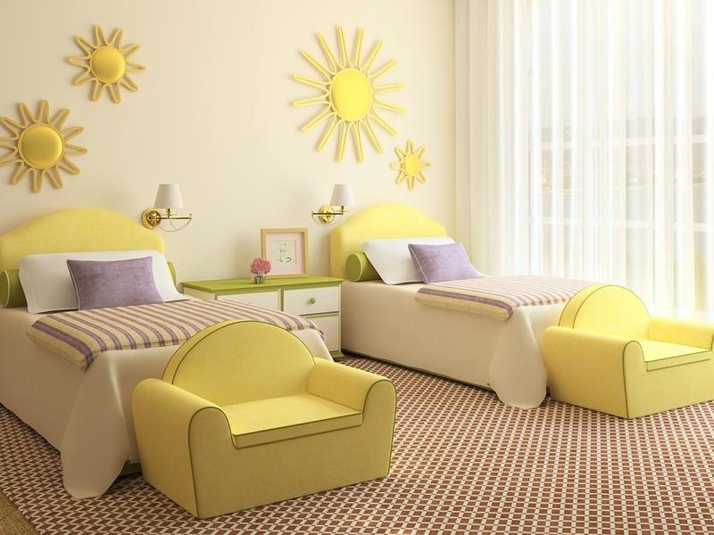 اللون الأصفر من أكثر الألوان التي تُناسب الأولاد والبنات معًا