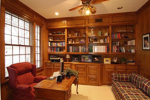 صور لمكاتب خشبية مميزة