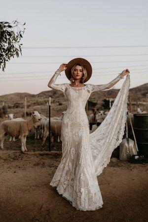 فستان اوف وايت