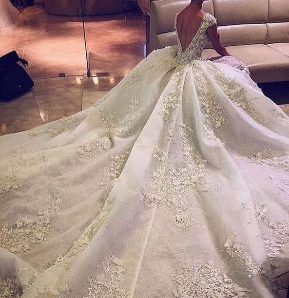 فساتين زفاف مودرن