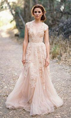 موديل فستان زفاف مميز من لون الشامبين موضة 2019