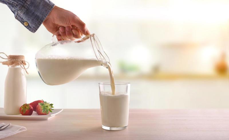 فوائد الحليب للحامل قبل النوم
