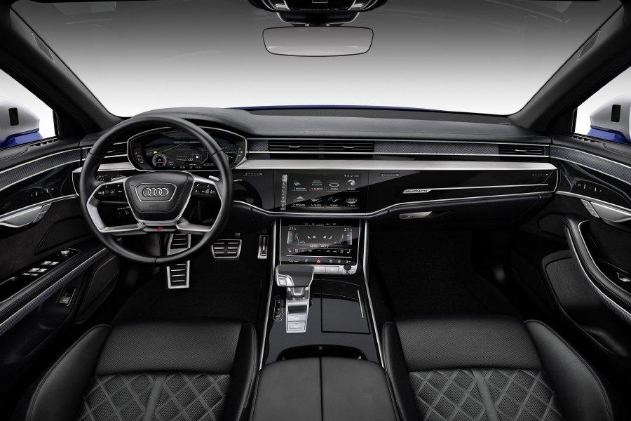 أودي أبوظبي والعين تستلمان أول دفعة من سيارة Audi S8 4.0 T في الشرق الأوسط