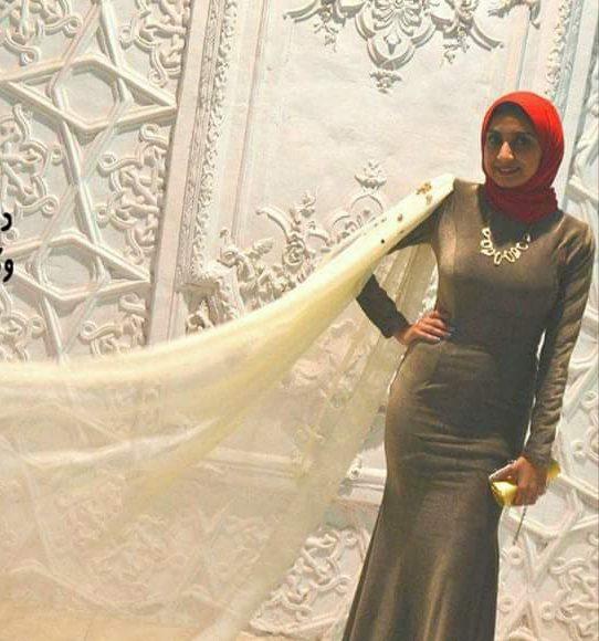 فستان سهرة قطيفة للمحجبات
