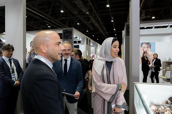 استعراض الإرث الإيطالي الفاخر في معرض دبي الدولي للمجوهرات