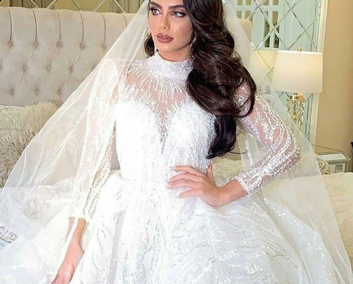 فستان زفاف بكم طويل بتصميم ناعم