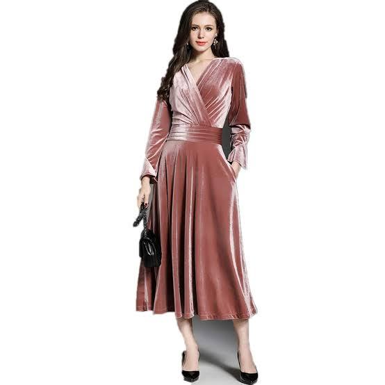 فستان سهرة من المخمل باللون الكاشمير