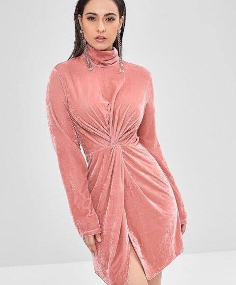 تصميم فستان سهرة من المخمل باللون الكاشمير