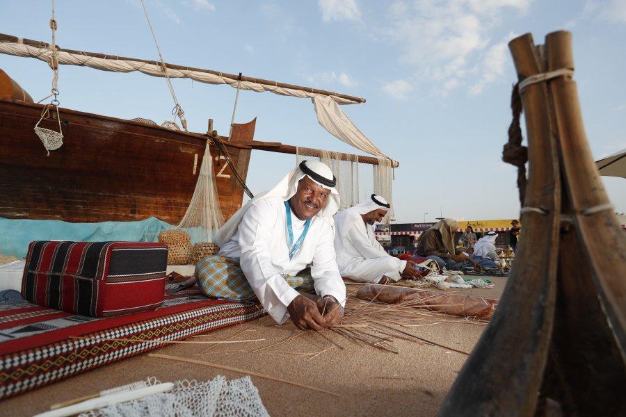 بالصور احتفالات اليوم الوطني الإماراتي الـ48 في حلبة مرسى ياس