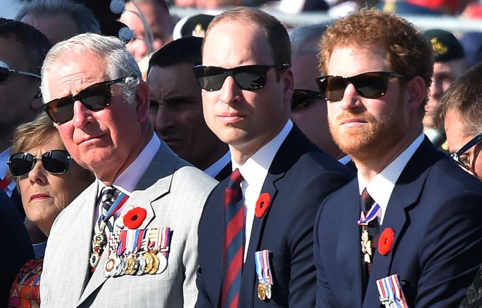 الأمير هاري وميغان ماركل ينسحبان مع العائلة المالكة رسميا