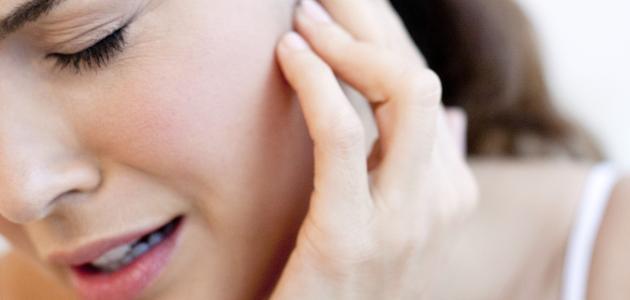 اسباب ظهور حبوب شحمة الأذن