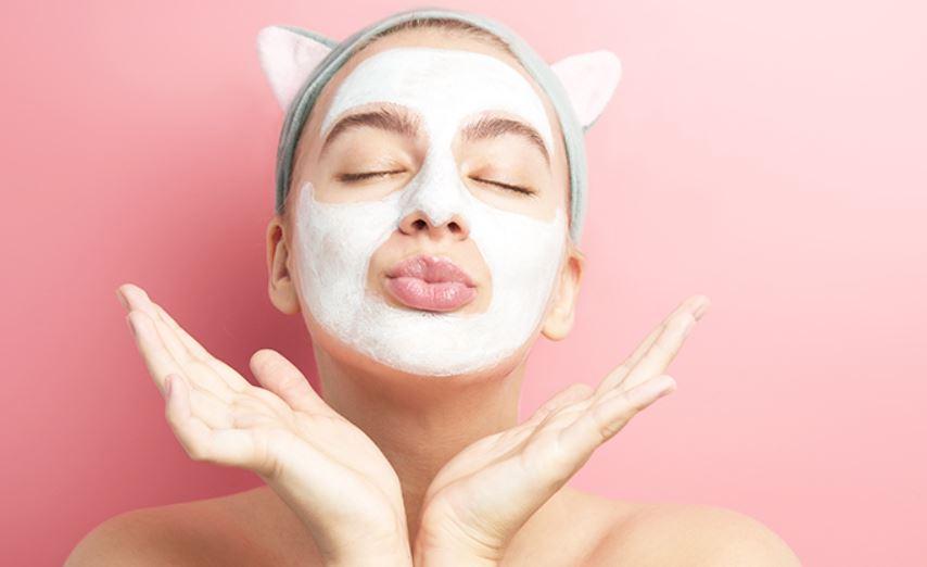 خلطات تبيض الوجه بطريقة طبيعية آمنة