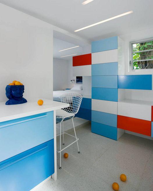 ألوان المطابخ الخشب المودرن الجديدة Colorful-Kitchen-Color-Scheme