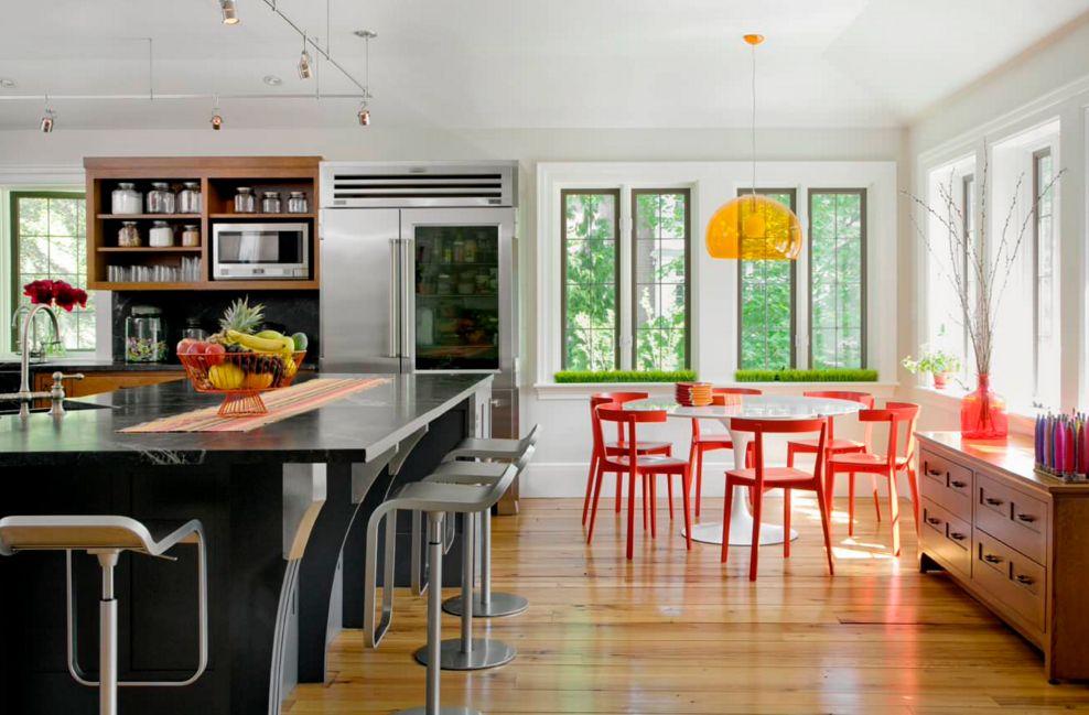 ألوان المطابخ الخشب المودرن الجديدة Modern-red-and-orange-color-scheme-for-kitchen