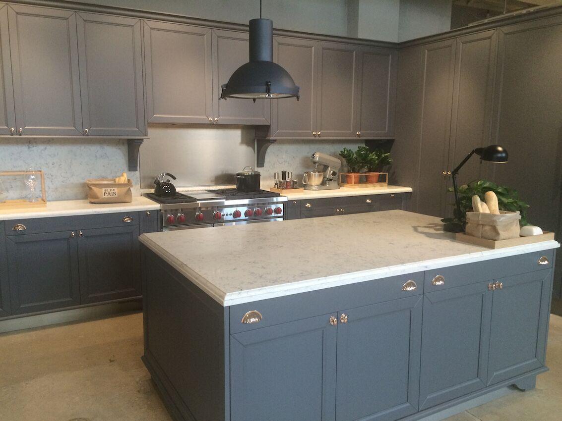 ألوان المطابخ الخشب المودرن الجديدة Monochromatic-kitchen-color-scheme