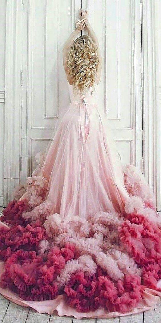 فساتين زفاف ملونة موديلات العام