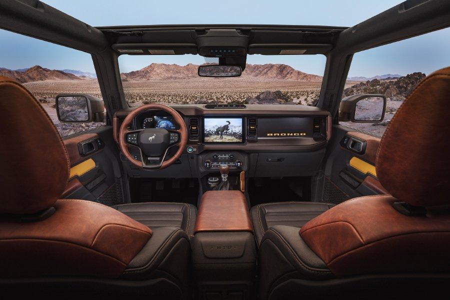 فورد تطلق طرازات برونكو 2021 الجديدة كلياً ببابين وأول طراز بأربعة أبواب