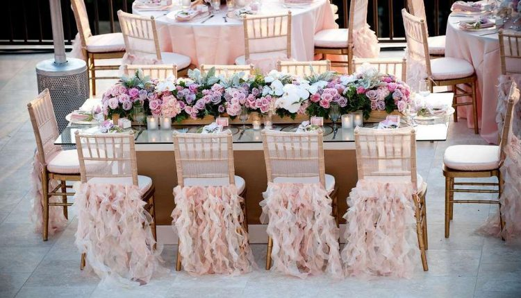 طاولة حلويات الزفاف