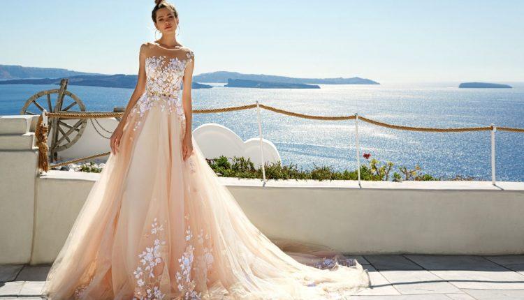 اختيار فستان الزفاف