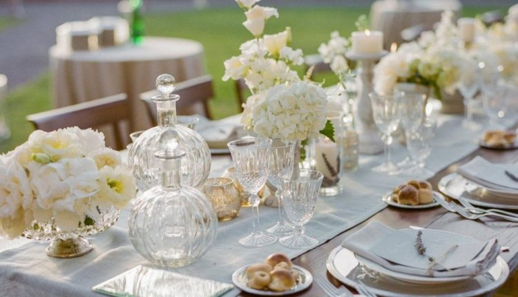 طاولات حفلات الزفاف