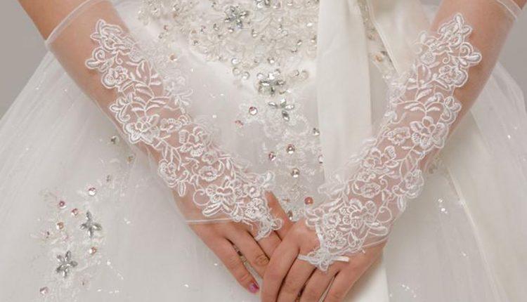 فساتين زفاف بصيحة القفازات