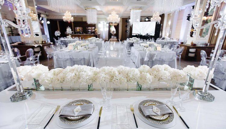 كراسي حفلات الزفاف