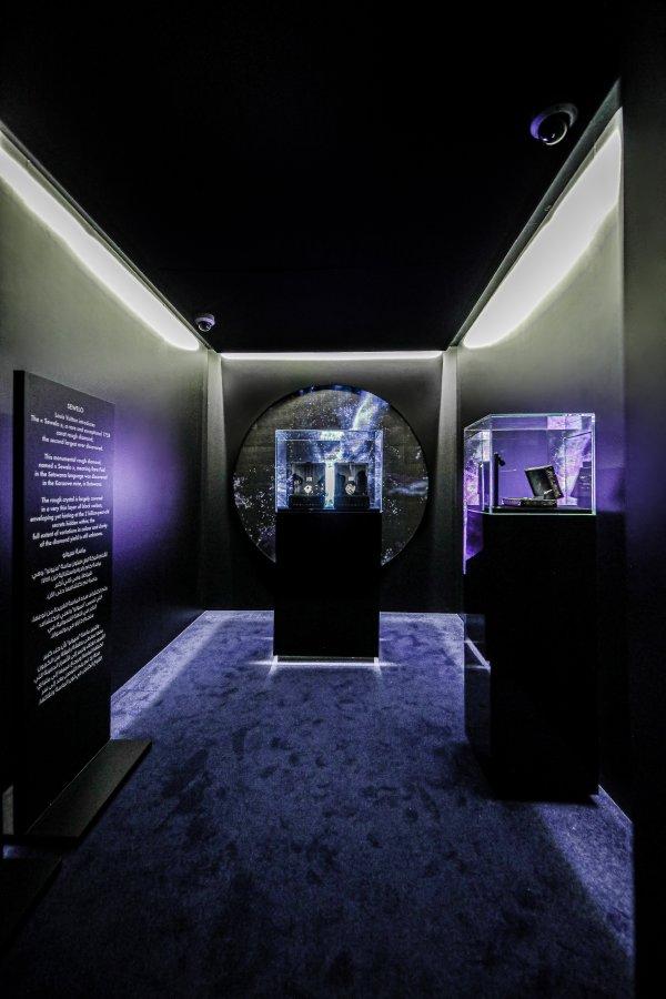 لويس فيتون تكشف النقاب عن حدث المجوهرات الراقية في دبي