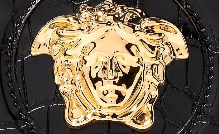 مجموعة محدودة الإصدار لـVersace من حقيبة La Medusa