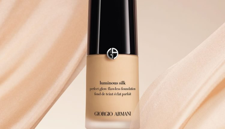 مجموعة Luminous Silk من Giorgio Armani.. أهمّ سرّ من أسرار خبراء المكياج