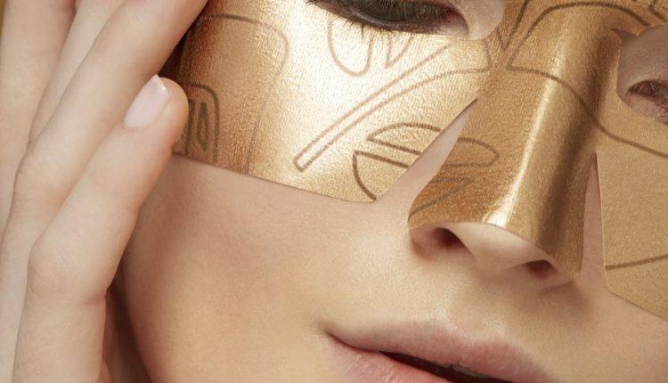 ماسك معزّز بالذهب لإشراقة ذهبية فورية من Lancôme
