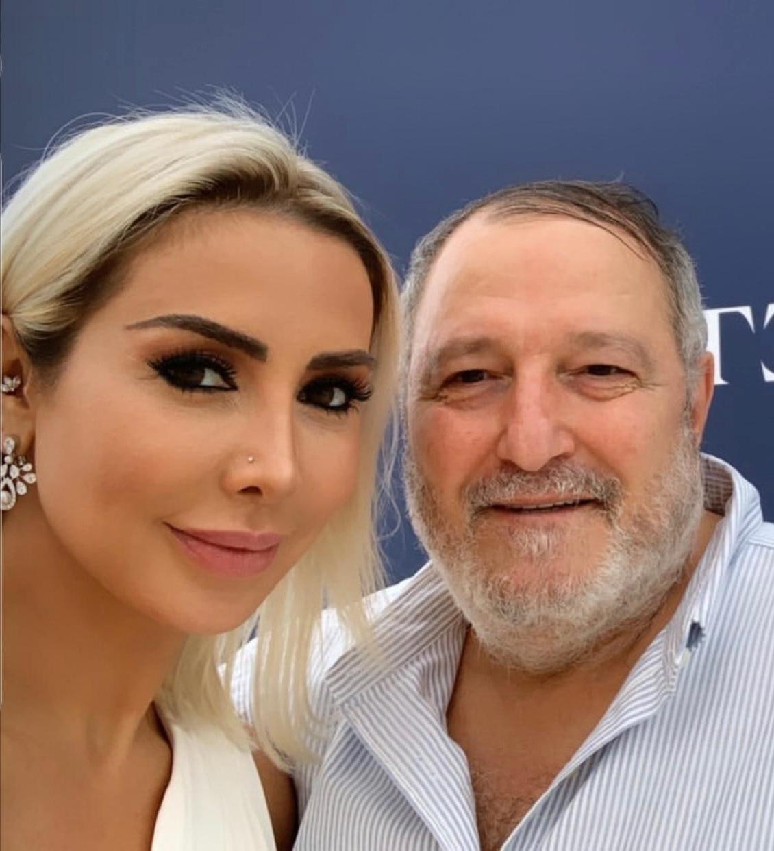 محاور المشاهير العالميين يجري أول حوار مباشر مع نجمة عربية