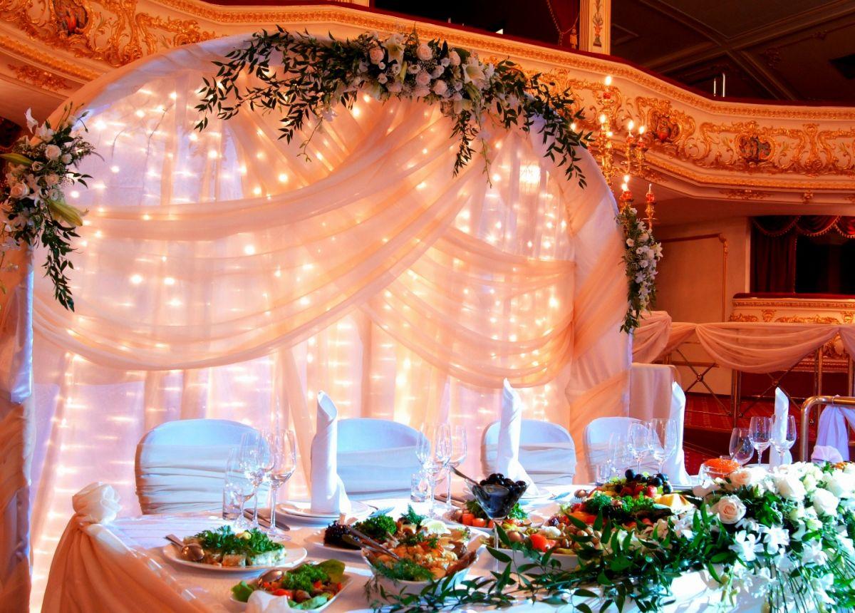 ضيوف حفل الزفاف