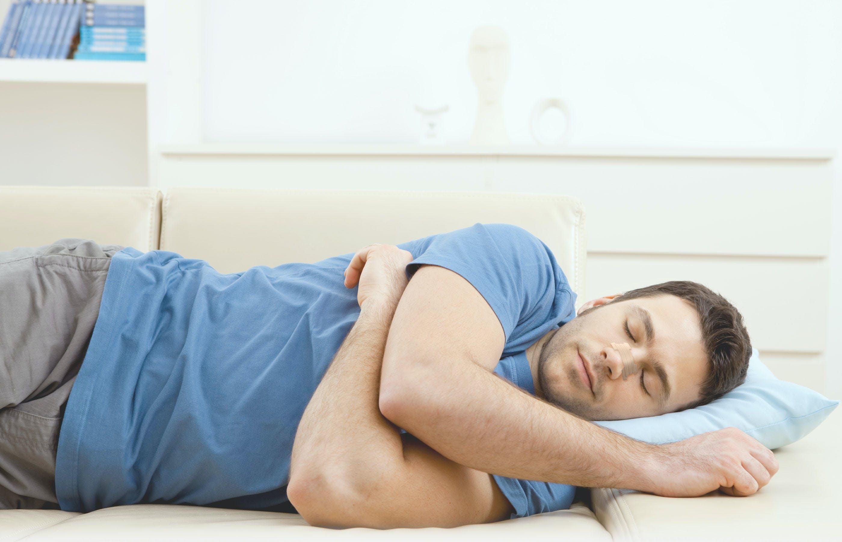 أفضل وضعية للنوم لزيادة الطول