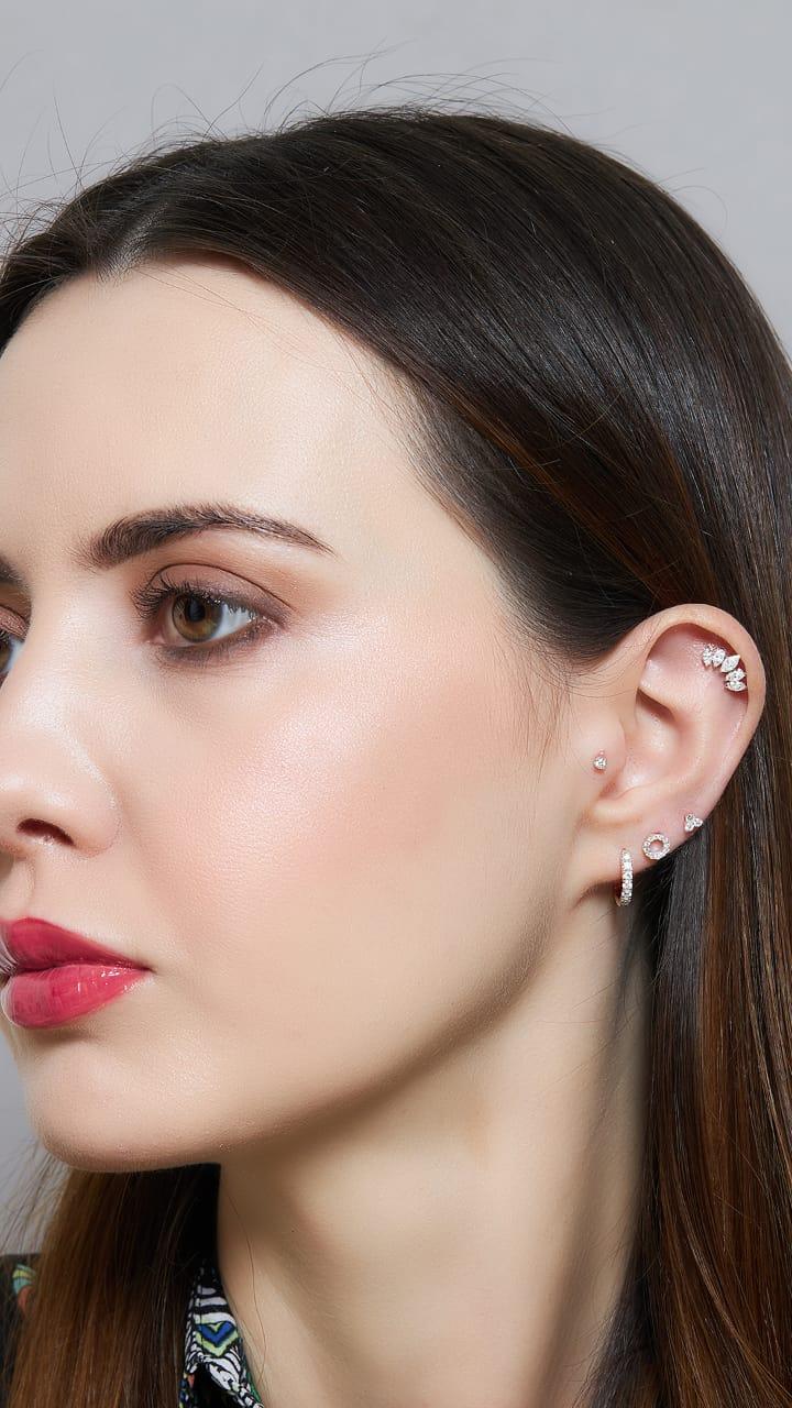 سولا براند متخصص في مجوهرات ثقوب الأذن
