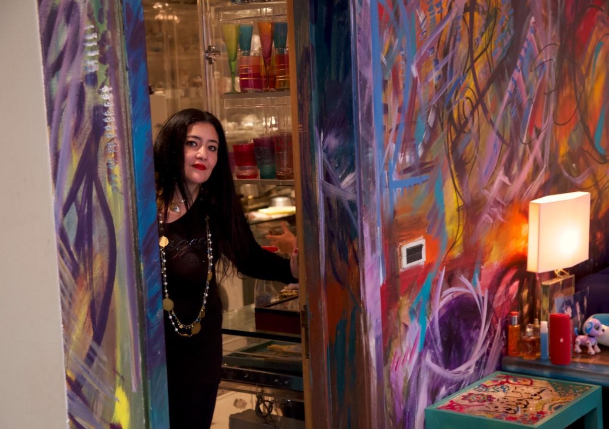 شاليمار شربتلي فنانةٌ ٌتشكيليةٌ رائدة فن الموفينغ آرت