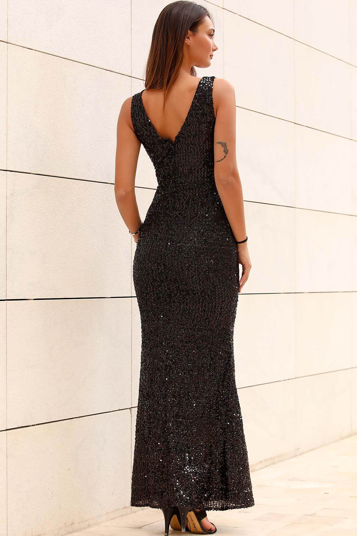 فستان طويل من القماش اللامع أسود