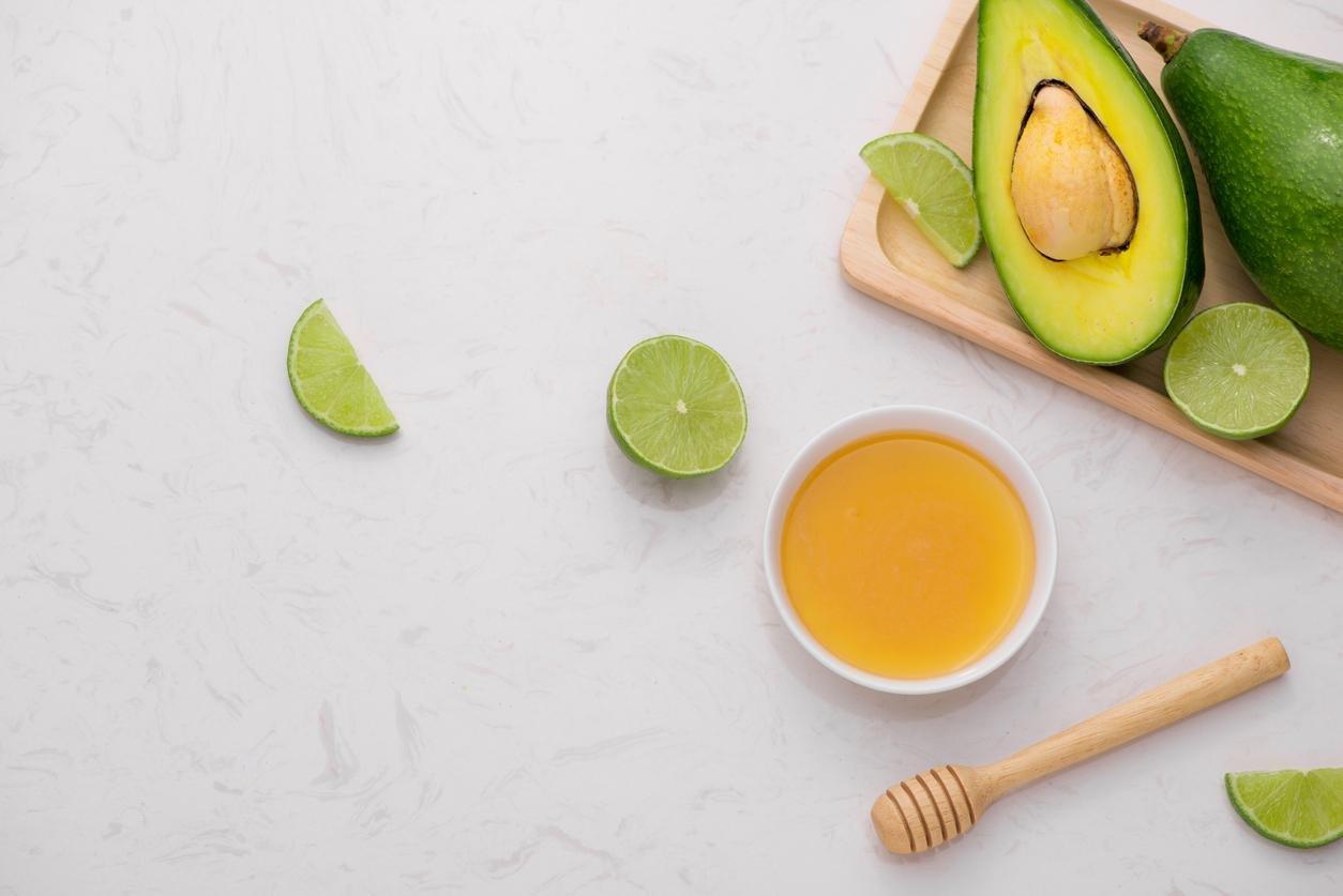 قناع الأفوكادو والعسل لنعومة ولمعان البشرة