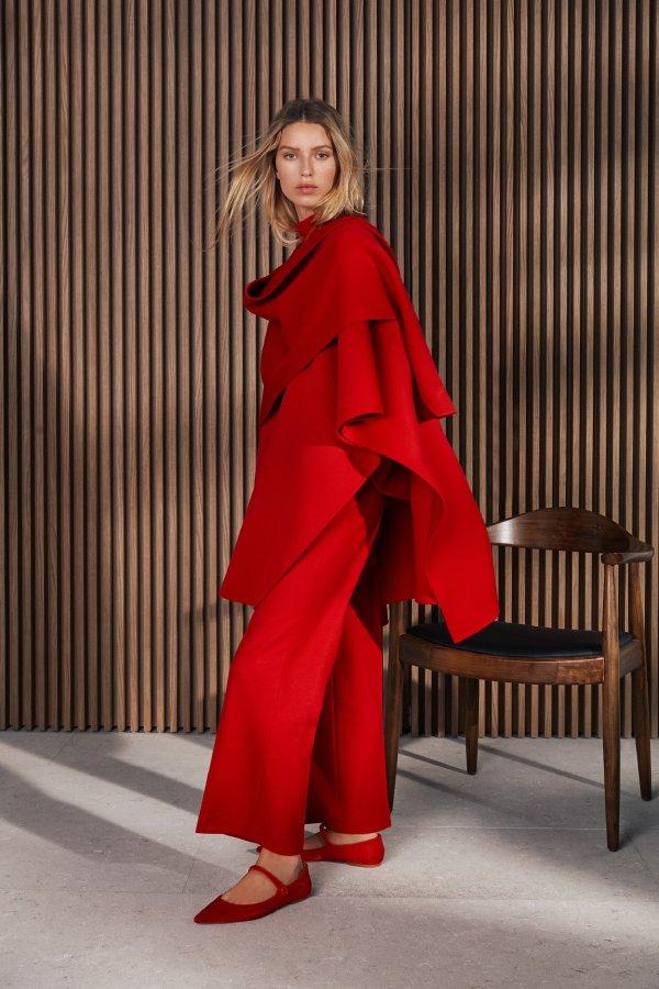 مجموعة الأزياء النسائية والرجالية خريف وشتاء 2021 من كارولينا هيريرا