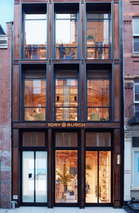 توري بورش تفتتح بوتيك ميرسر ستريت في مدينة نيويورك