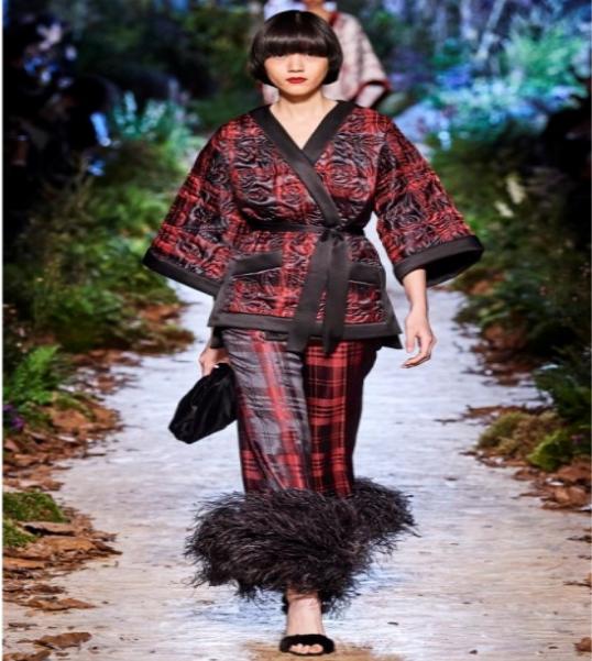 ارتداء الكيمونو بشكل عصري