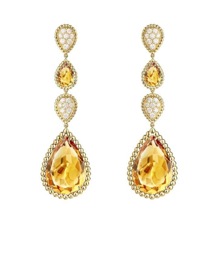 مجوهرات مرصعة بالياقوت الأصفر